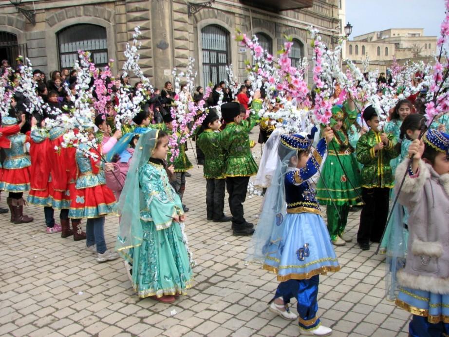 لباس مدارس آذربایجان