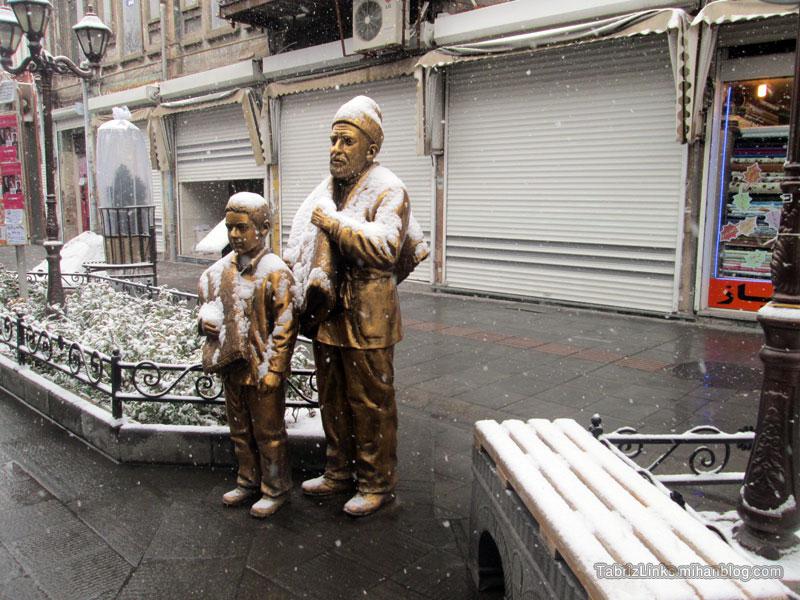 برف در تبریز