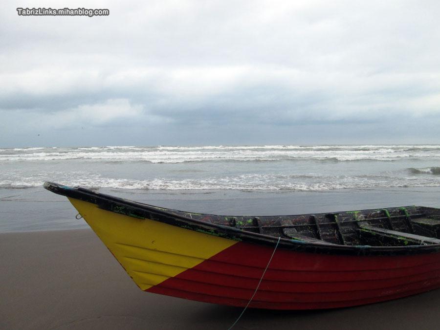 عجب دریای طوفانیست دنیا